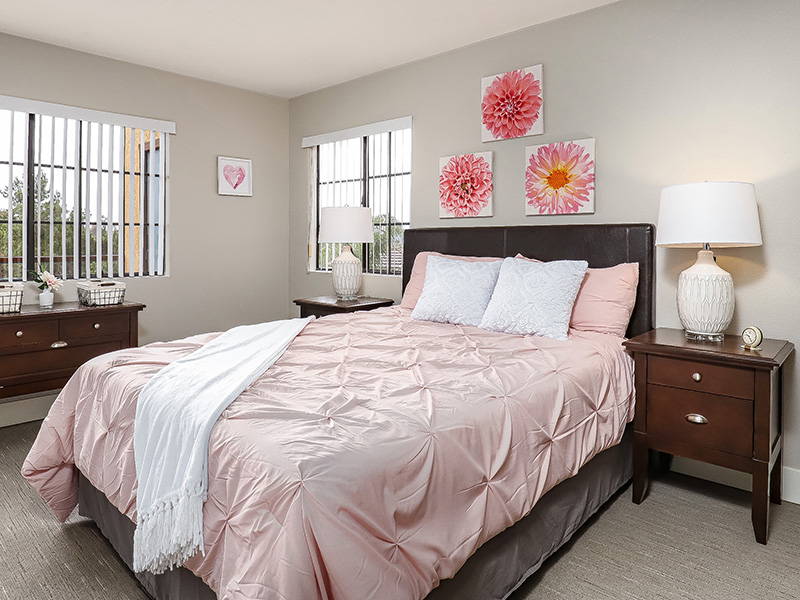 The Gateway and Gateway Gardens bedroom set