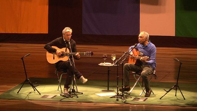 Caetano Veloso e Gilberto Gil fazem show memorável em Curitiba