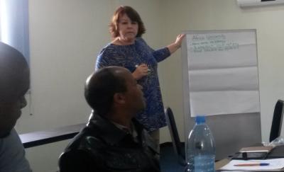 dri_robin_ereader_presentation_maputo