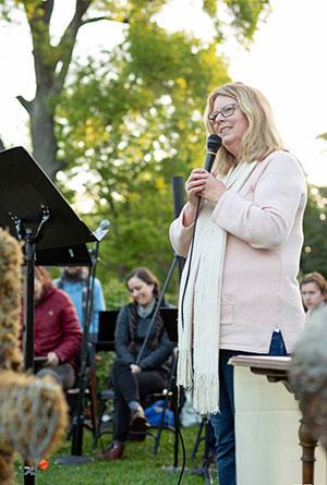 Pastor Linda Dew-Hiersoux