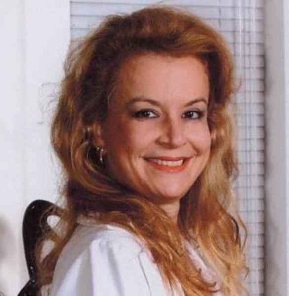 Dr. Mariângela Santiago - Plastic Surgery
