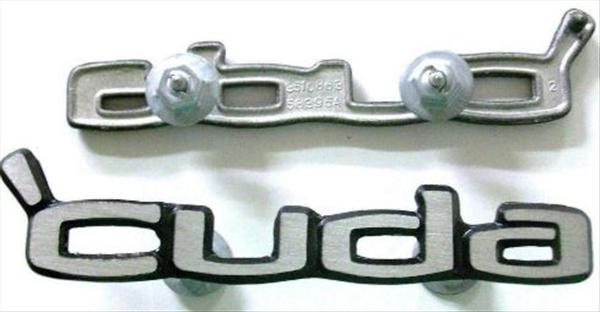 PAIR 3510863 vc195 YEARONE 1970 1971 1972 1973 1974 Cuda door panel emblems