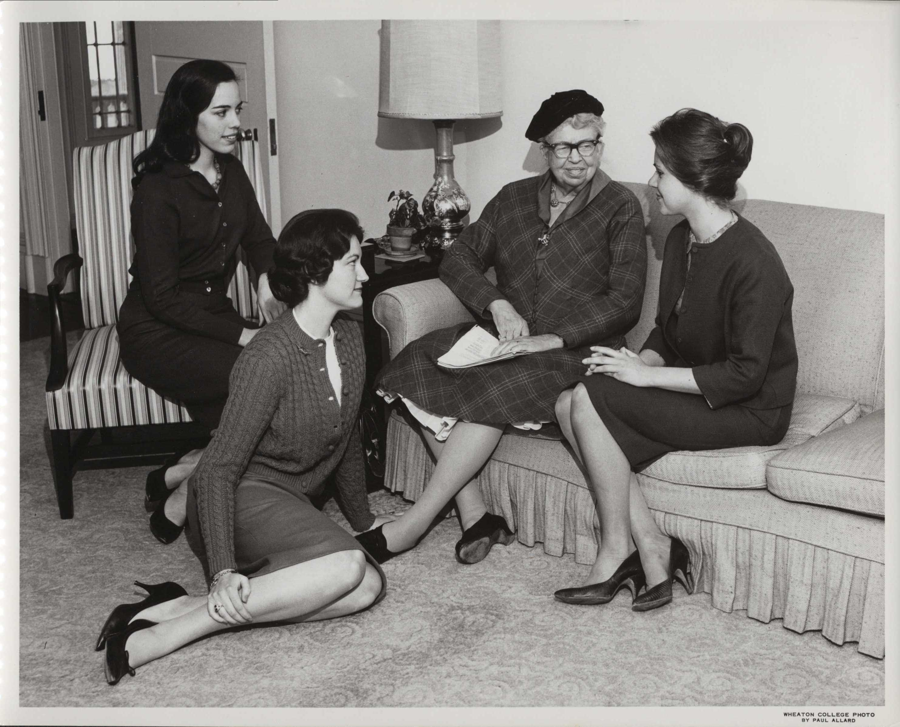 Eleanor Roosevelt meeting with Wheaton students