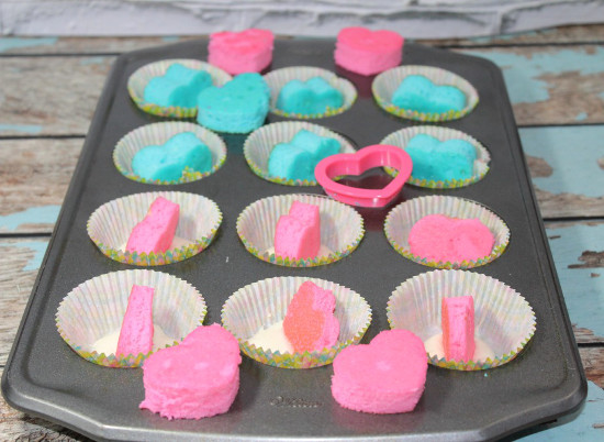 Reveal cupcakes