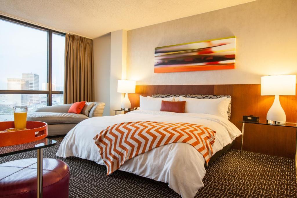 Hotel Derek room