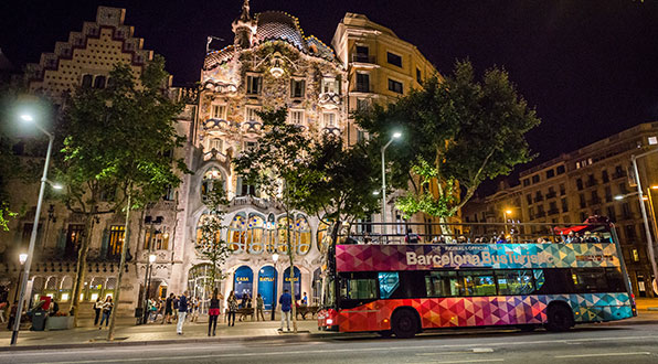 TOP 5 NIGHT TOURS In Barcelona
