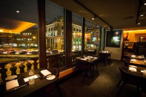The-Grill-Restaurant-Interior-Design-and-Table-Setup