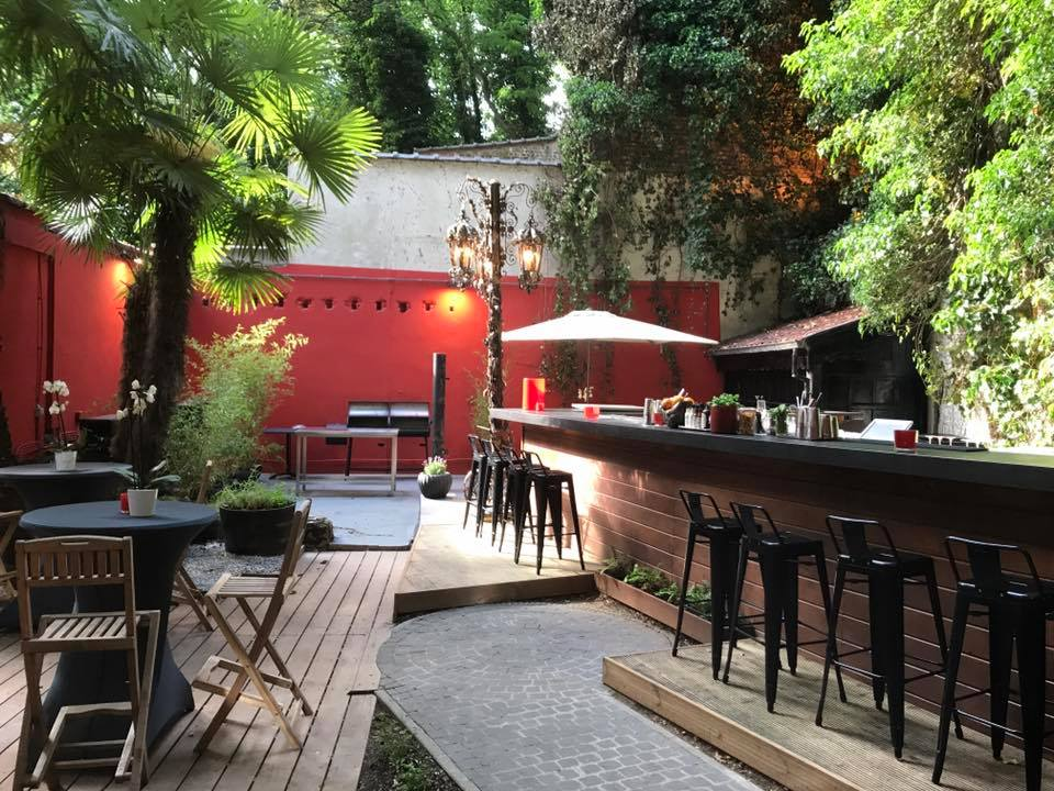Alice Cocktail Bar