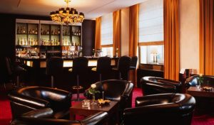 Metropolitan Bar & Lounge
