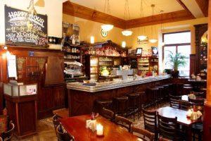 Leo's Lounge Bar