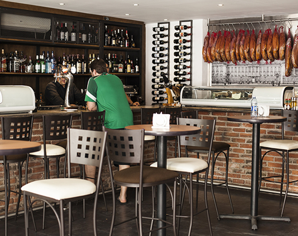Full_lugar_restaurante_las_tinajitas_cuerpo