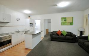 Dulwich upgraded apartment