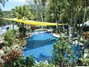 Airlie Cove swimming pool