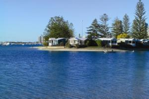 Broadwater : Villas at the waterfront