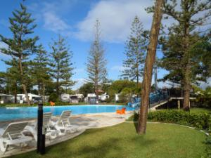 Tallebudgera Creek : Resort pool