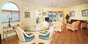 Spacious Airlie Beach  apartments