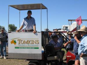 Auctioneer Chris Tomkins