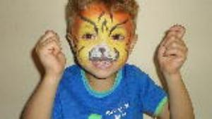Magic Mirror Face Painting makes happy kids