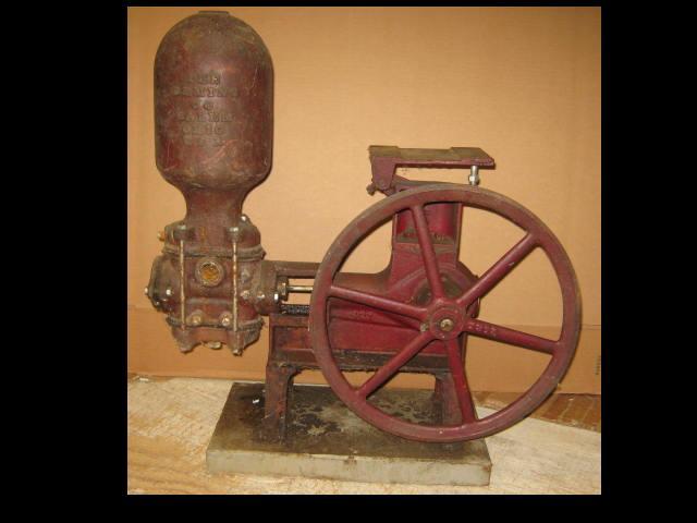 Vintage Antique Cast Iron Deming Co New Marvel Water Pump