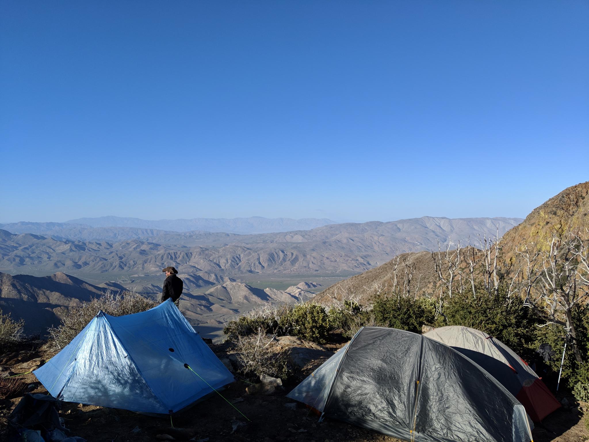 Le plus beau site de camping jusqu'à date • The best camping spot so far