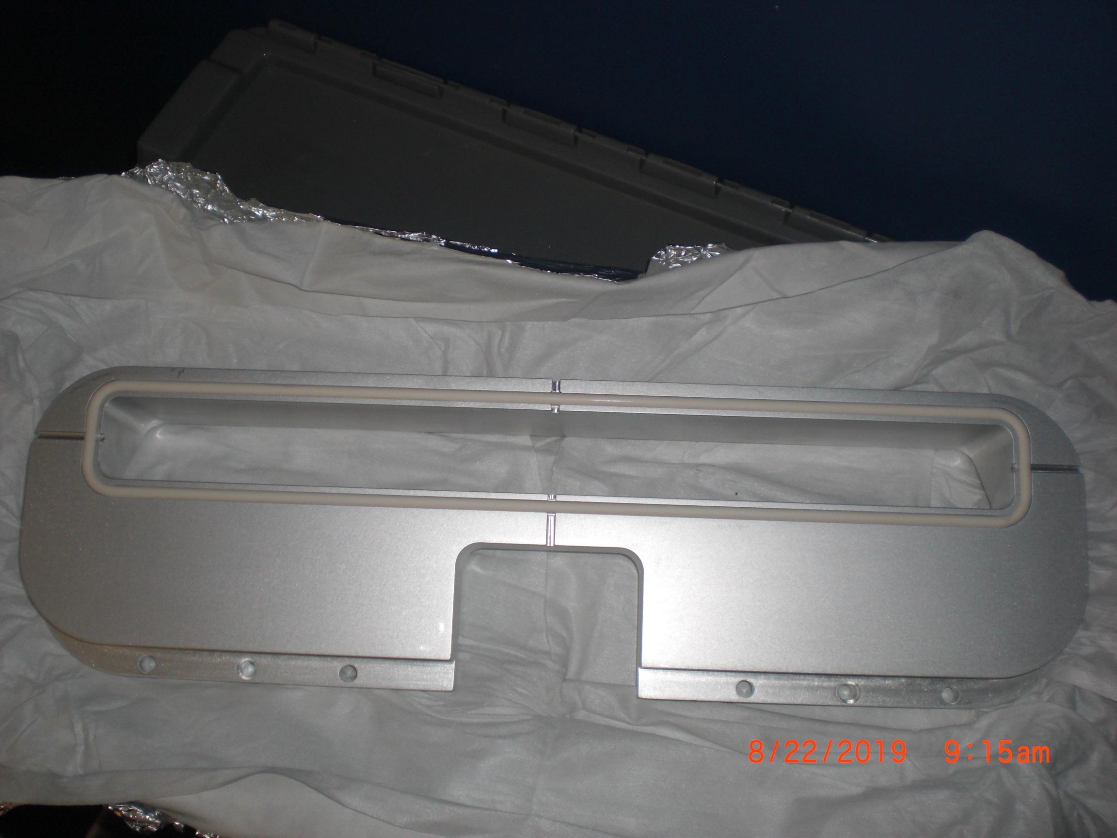 OEM Part Applied Materials (AMAT) 0021-53663 300mm  chamber  slit-valve insert