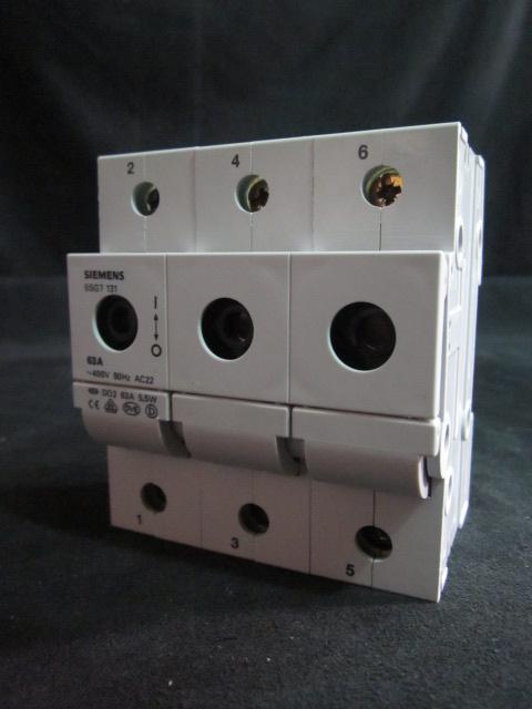 Fuse 3 POLE HOLDER DISCONNECT 63A 400V SIZE D02, SIEMENS D02-63A  5SG7133