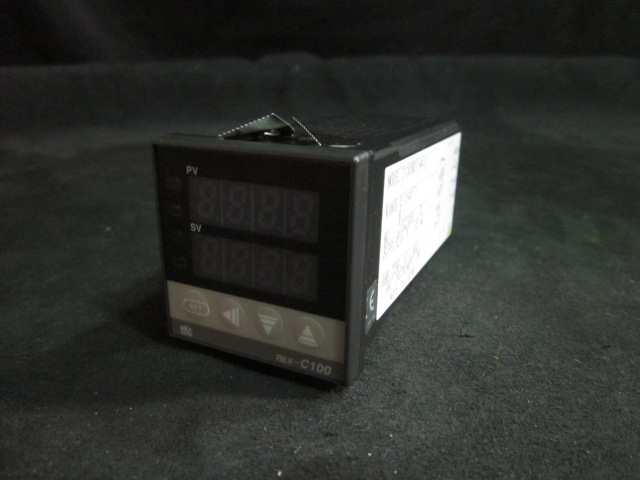 Controller RKC INSTRUMENT C100DR01-M-JA TEMP. CONTROLLER (NEW)