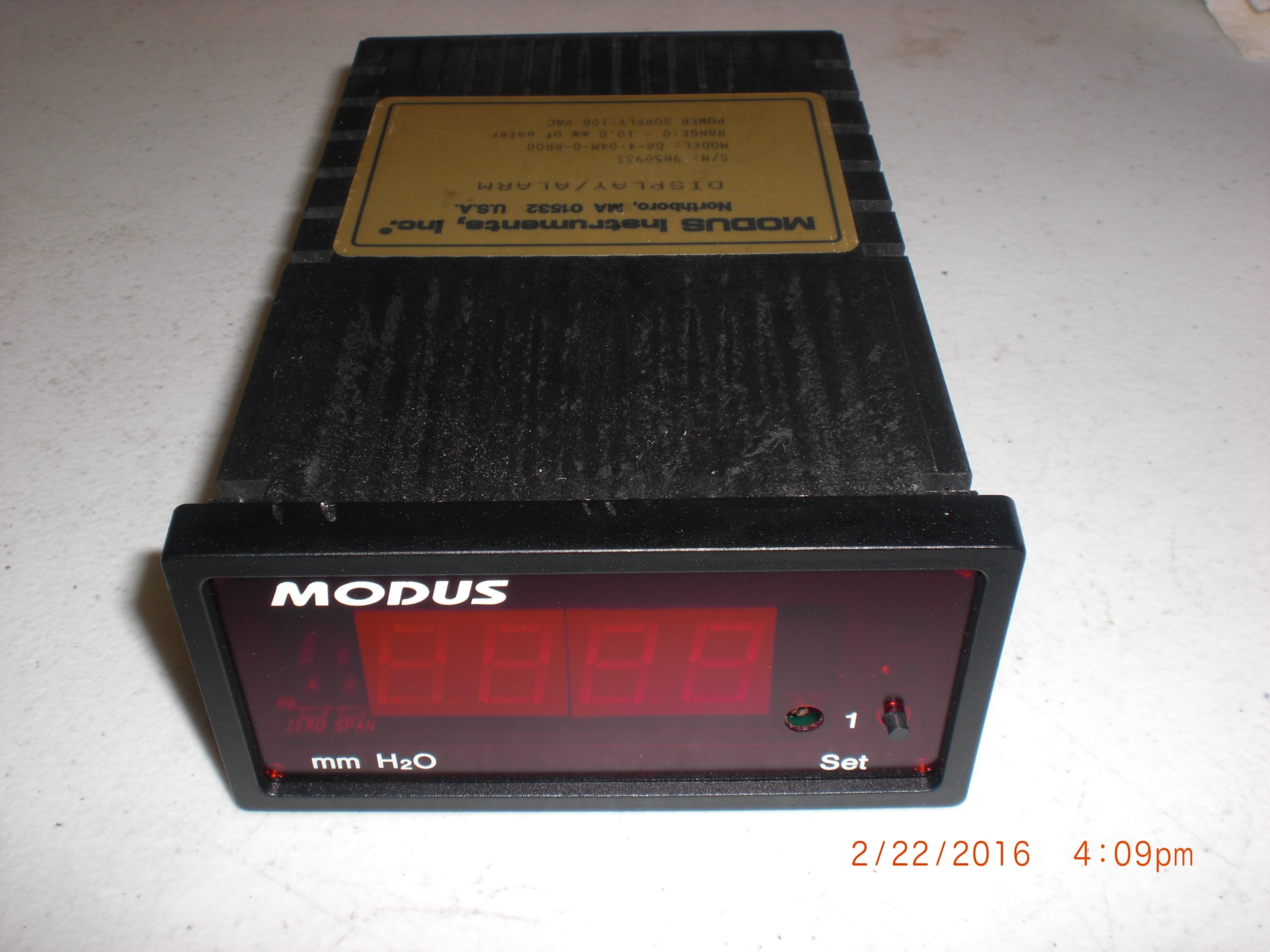 Gauge MODUS DA-4-04M-0-RR00 VACUUM Display Alarm 0-10.0mm of water 100-110VAC