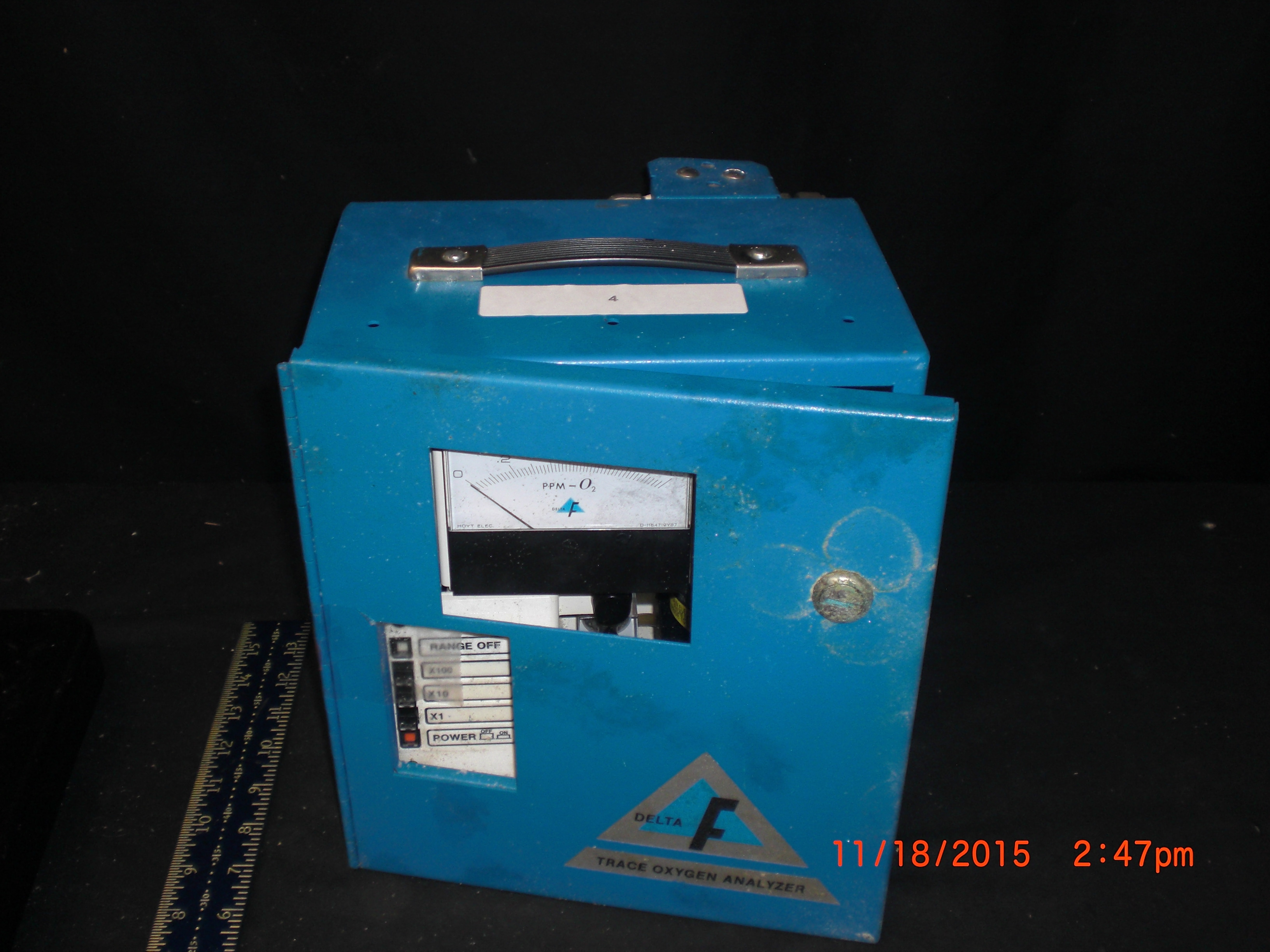 Instrument DELTA F Fa30111A Trace Oxygen Analyzer  operation unknown w/o power cord
