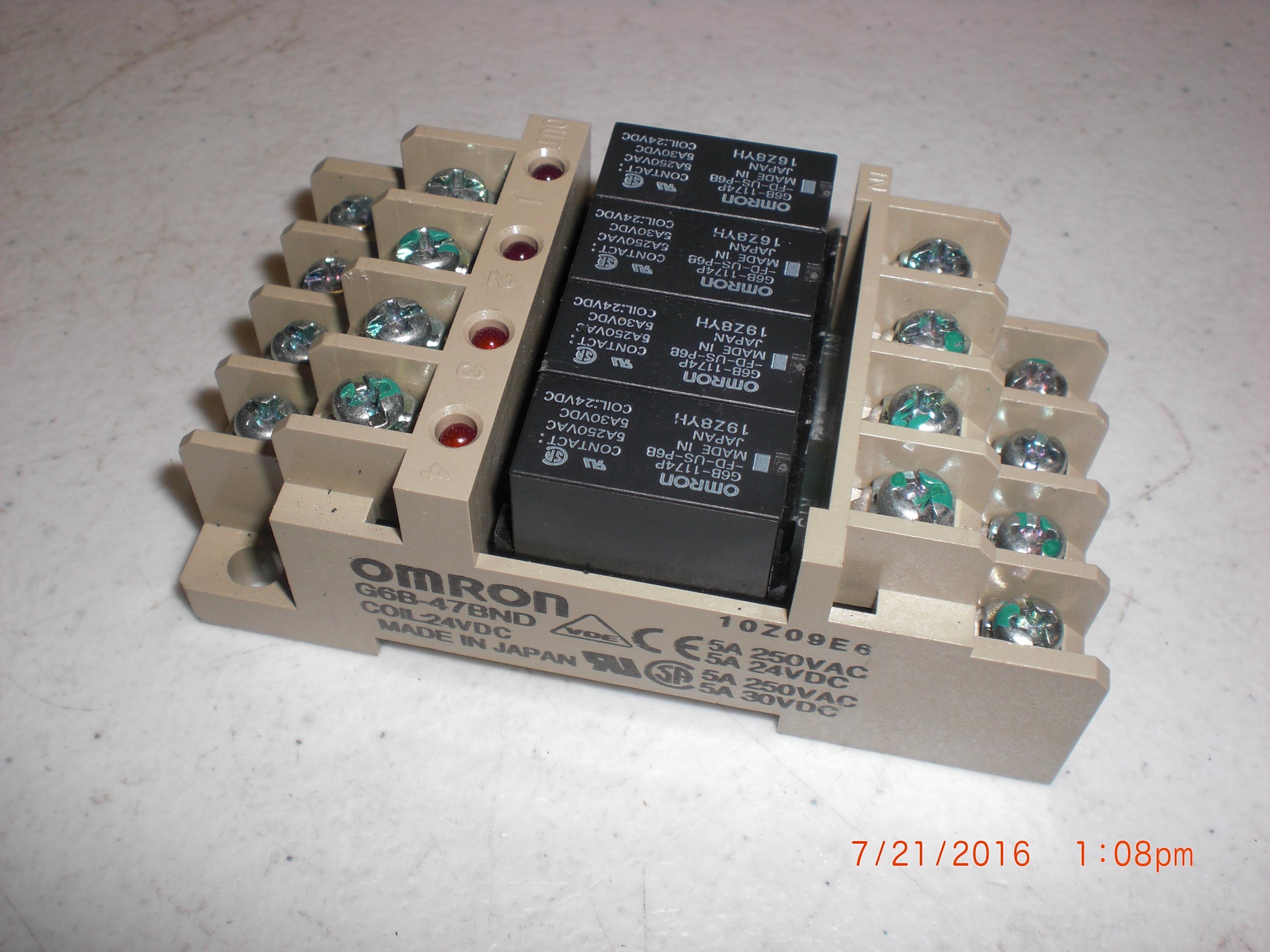 Relay din base w/4 OMRON G6B-1174P relay 24VDC 250VAC/30VDC 5A