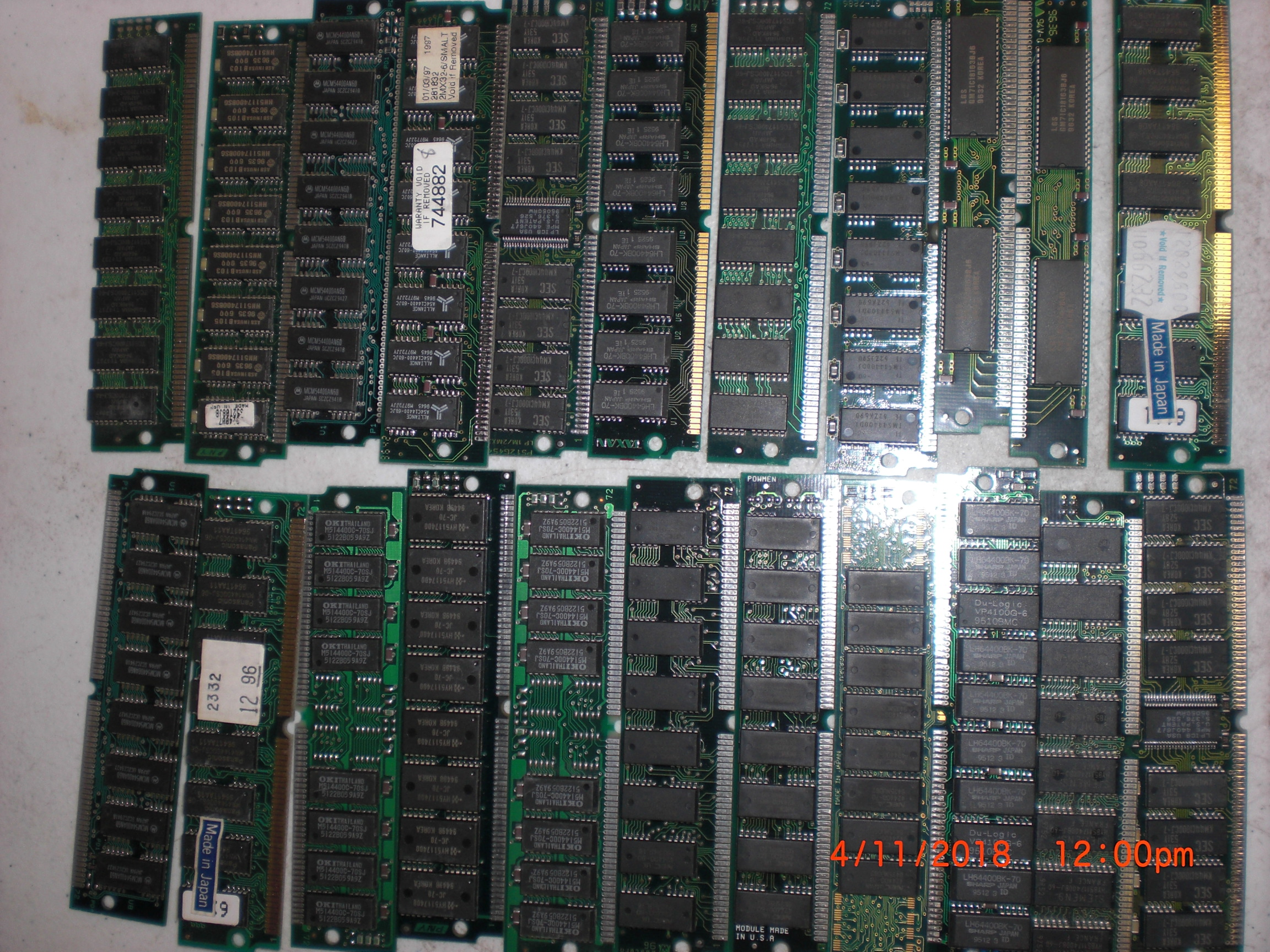 Computer Accessory KENSINGTON RAM-22 lot of 22 RAM sticks assorted MB