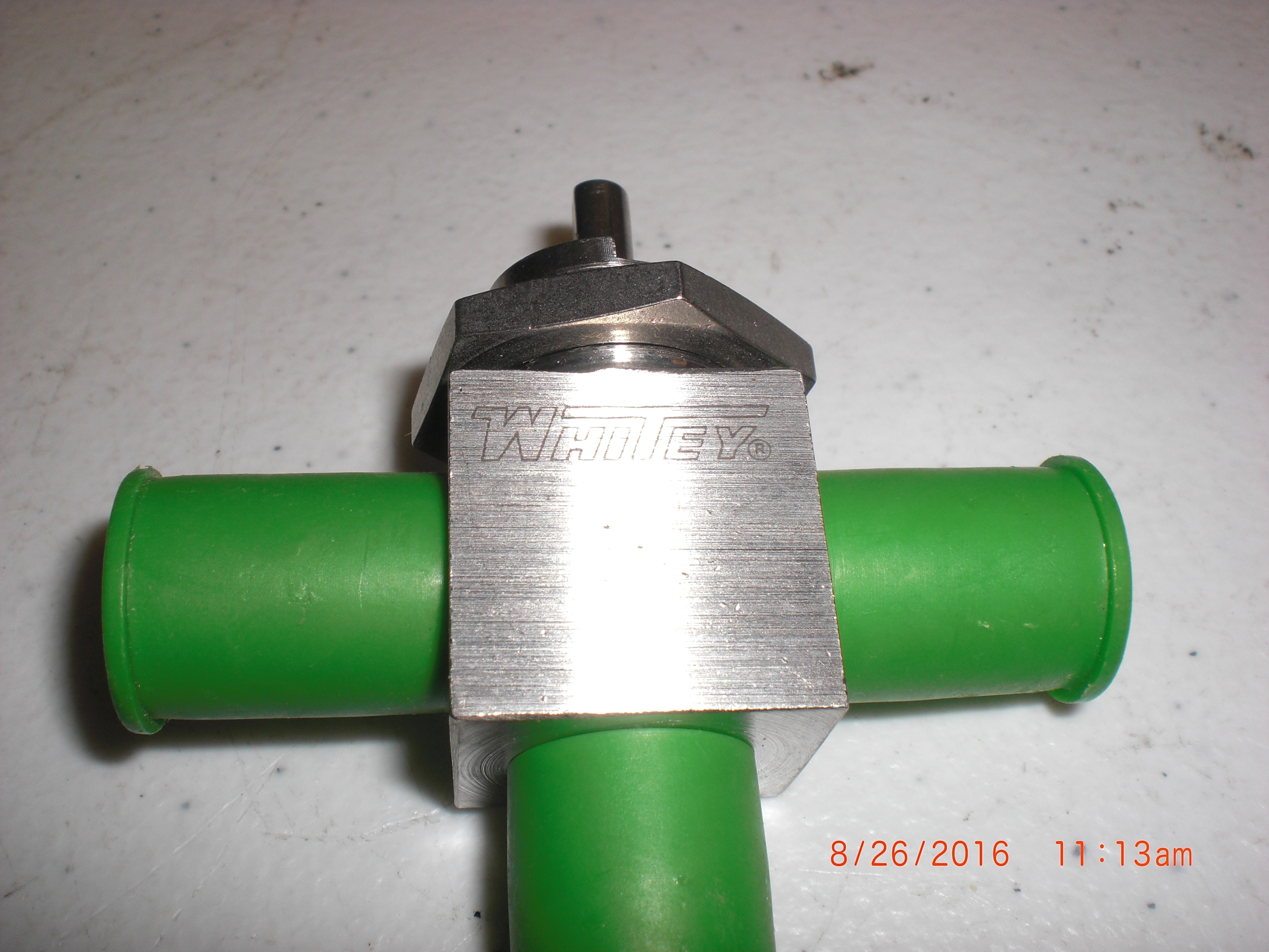 Valve Ball 316L SS 3 way 1/4 MVCR no handle Whitey SS-43XVCR4 Swagelok