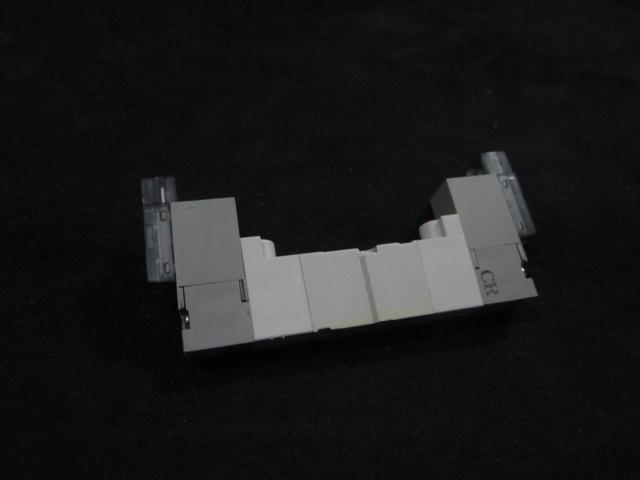 Valve SOLENOID 4/5 PORT SOL VALVE  SMC SYJ3220-5MOZ-M3