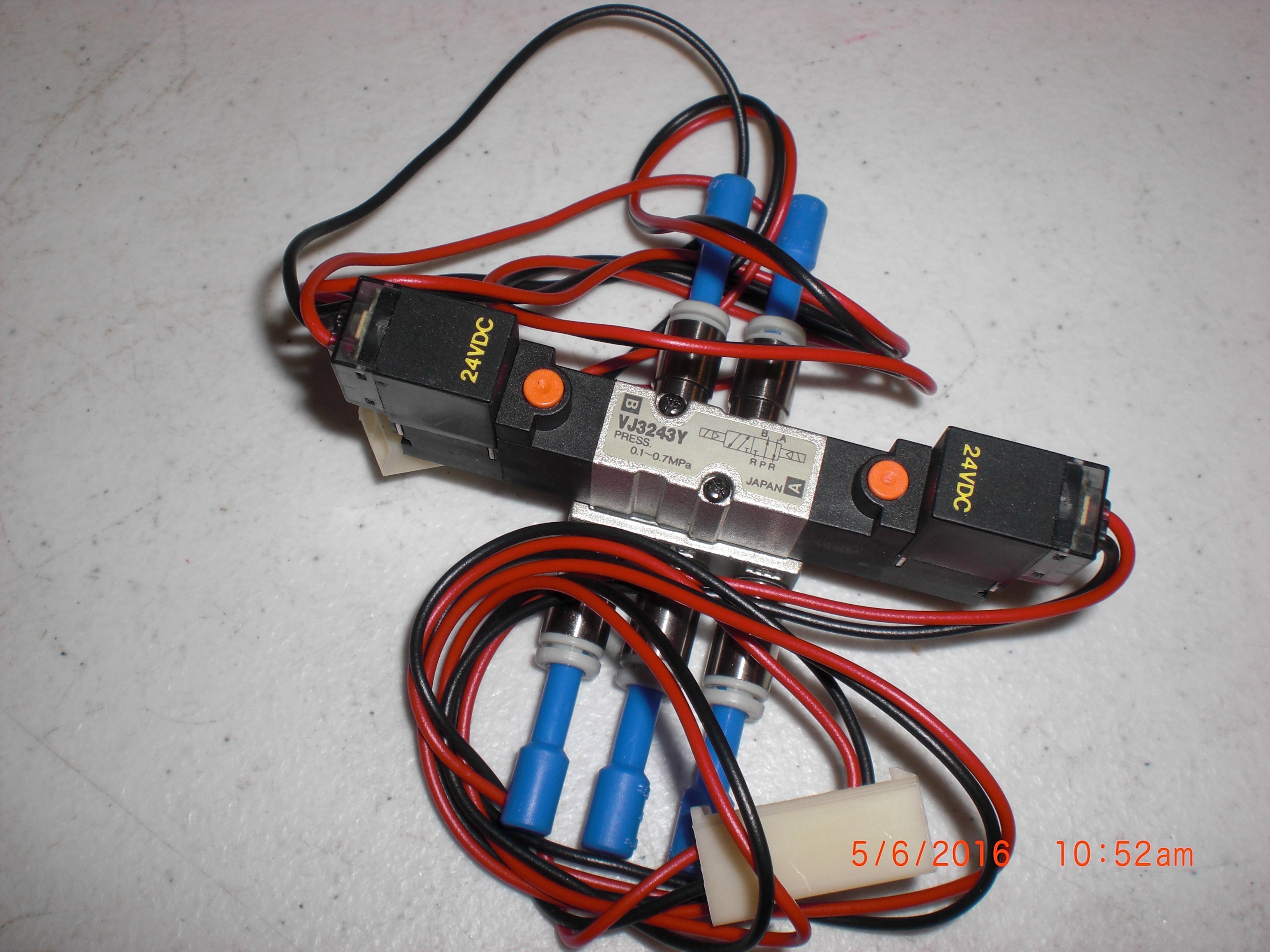Valve SMC VJ3243Y solenoid manifold valve 24vdc