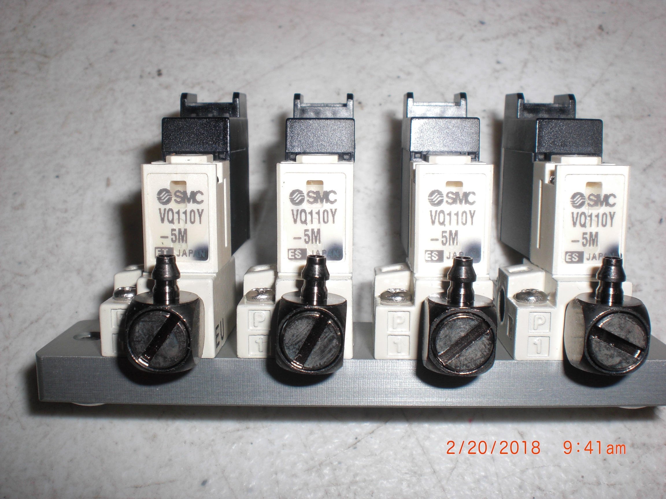 Valve SMC VQ110Y-5M 4 position manifold 24VDC