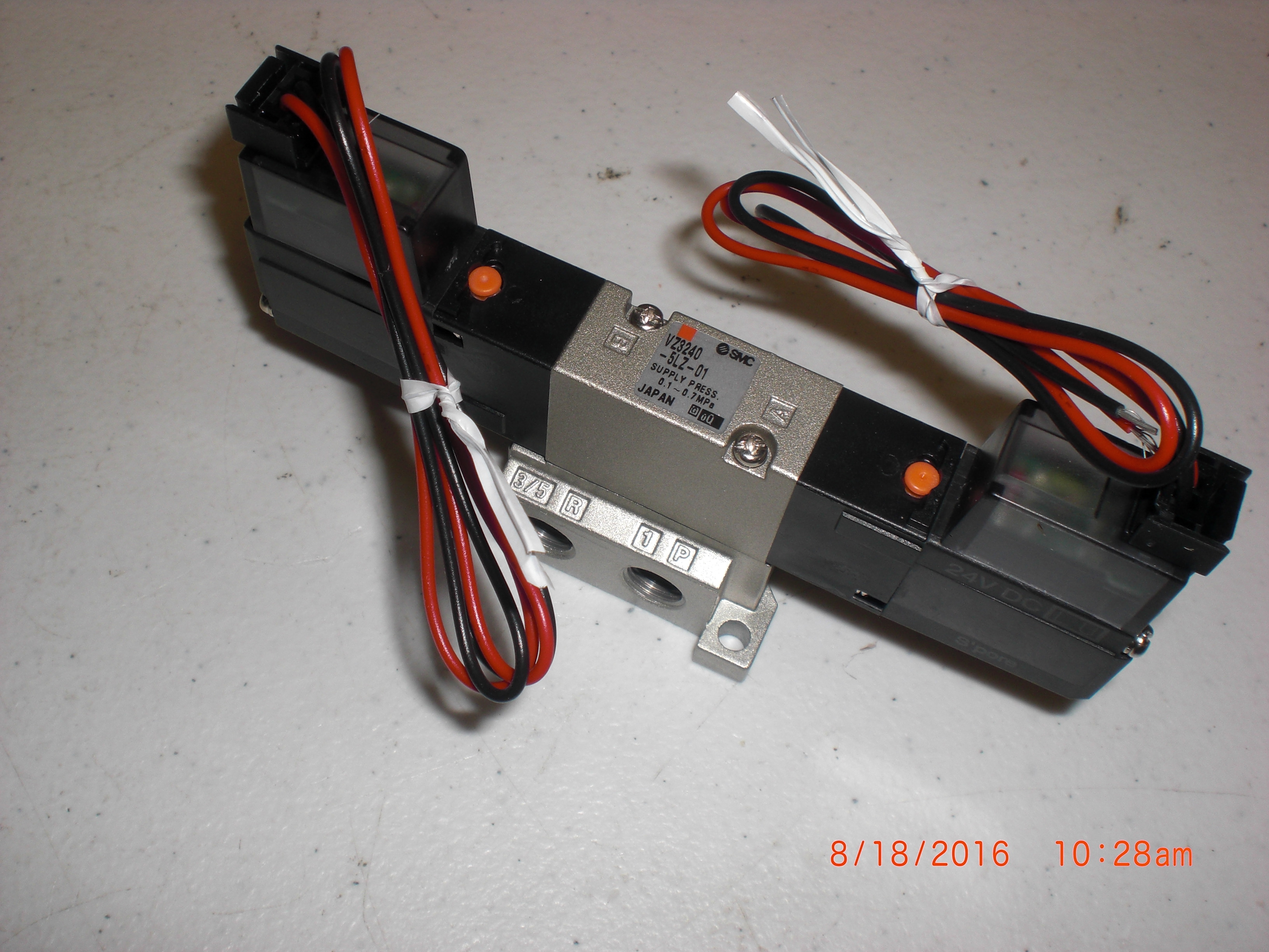 Valve SMC VZ3240-5LZ-01 5 Port Solenoid Valve, Base Mount & Body Ported
