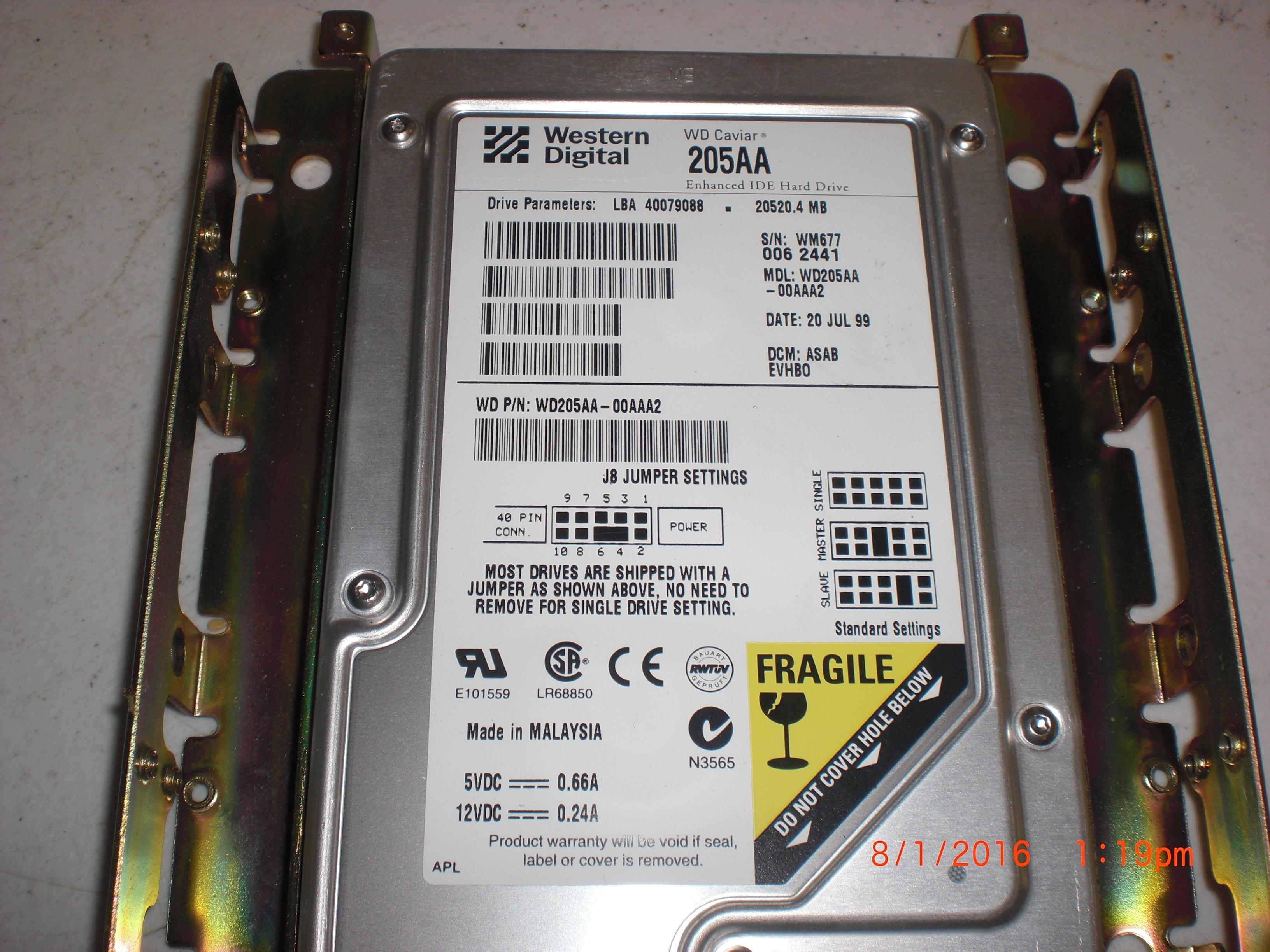 Computer Accessory Western Digital WD205AA-00AAA2 20.5GB IDE 3.5 Hard Drive