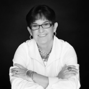 ★ Social Media Strategist Speaker • Debbie Saviano