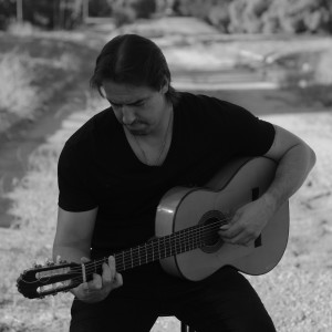 Victor Torres - Guitarist / Classical Guitarist in Los Angeles, California