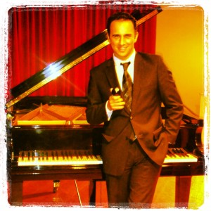 Adriano - Pianist in Miami, Florida