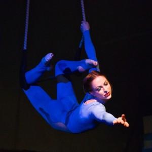 Zoe Irvine Circus Artist
