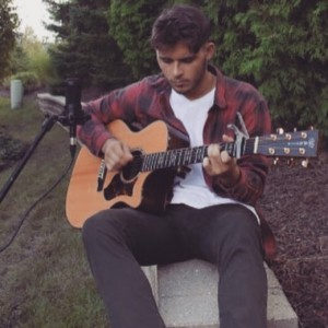 Alex Cianci - Singing Guitarist in Naperville, Illinois