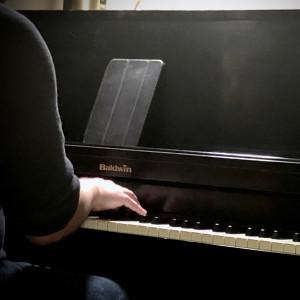 Alex DeZenzo - Jazz Pianist in Portland, Oregon