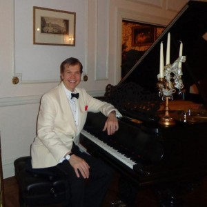 Alex Leonard  Pianist/Vocalist - Singing Pianist / 1940s Era Entertainment in New York City, New York