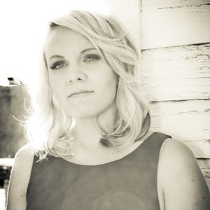 Alyssa McQuaid - Country Singer in Lethbridge, Alberta
