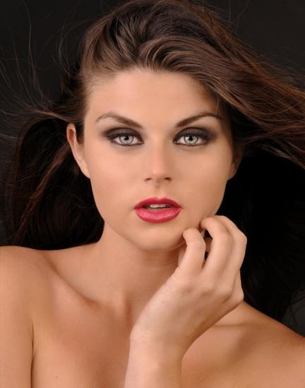 Hire Alyssa Riexinger Makeup, Hair & Eyelash Extensions ...