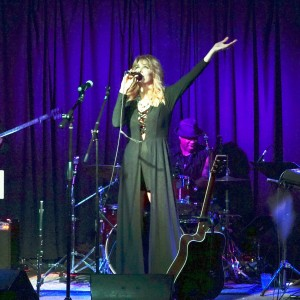 Amanda Abizaid - Singer/Songwriter / Soul Band in Beverly Hills, California
