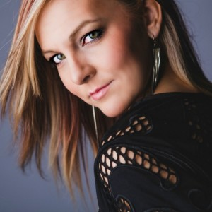 Amanda Earhart - Pop Singer in Costa Mesa, California