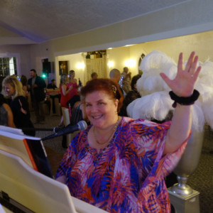 Amy Lauro - Pianist / Holiday Party Entertainment in Houston, Texas