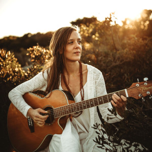 Andi Flax - Wedding Singer / Storyteller in Newport, Rhode Island